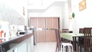 Homestay dekat Legoland Malaysia : Kitchen Area
