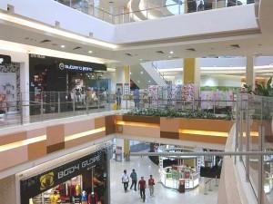 Aeon Jusco Bukit Indah Johor - 5 minutes walk to Dillenia Homestay