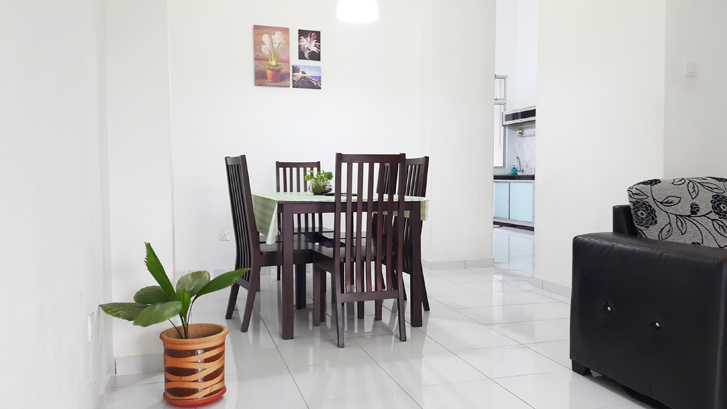 Slide # 13 : Living Room Dine Table _ Six Pax