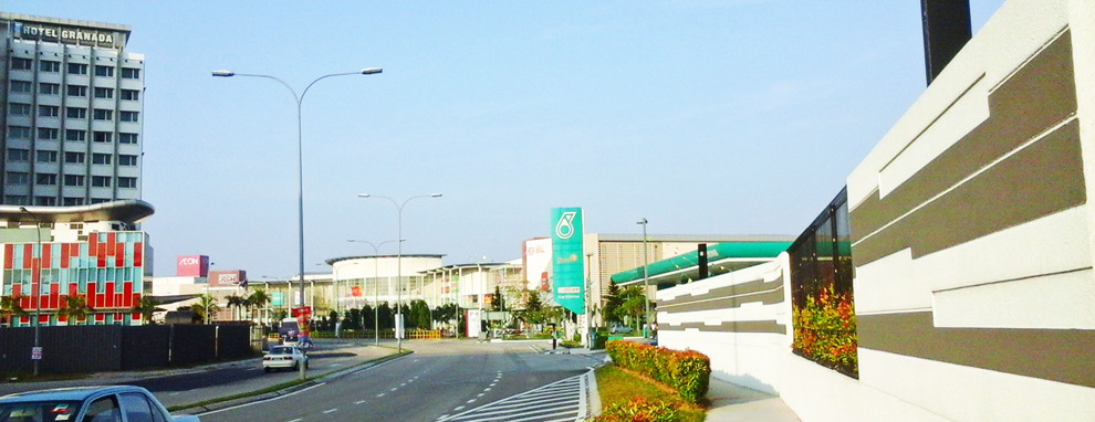 Slide # 10 : Aeon Mall & Petrol Kiosk ; Aeon Mall is just 350meters distance to Dillenia Homestay