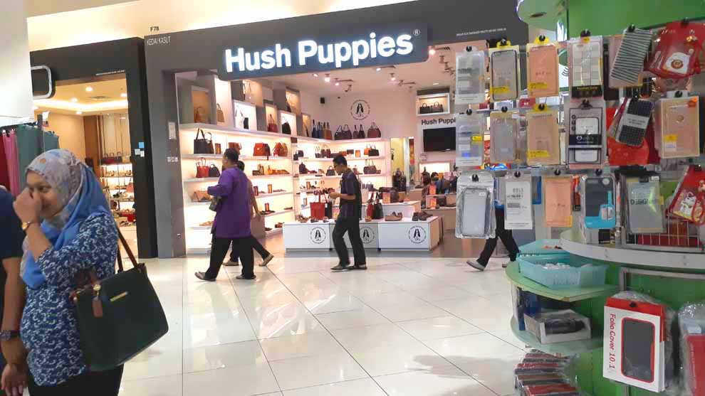 Slide # 33 : Aeon Bukit Indah Shopping: 350meter from Homestay ; Regional Size Mall