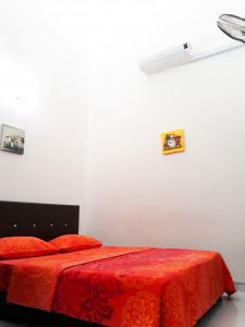 Homestay dekat Legoland Malaysia : Normal Bedroom Downstair