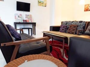 Homestay dekat Legoland Malaysia : Living Room Sofa